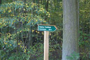 Wegweiser zum Friedwald